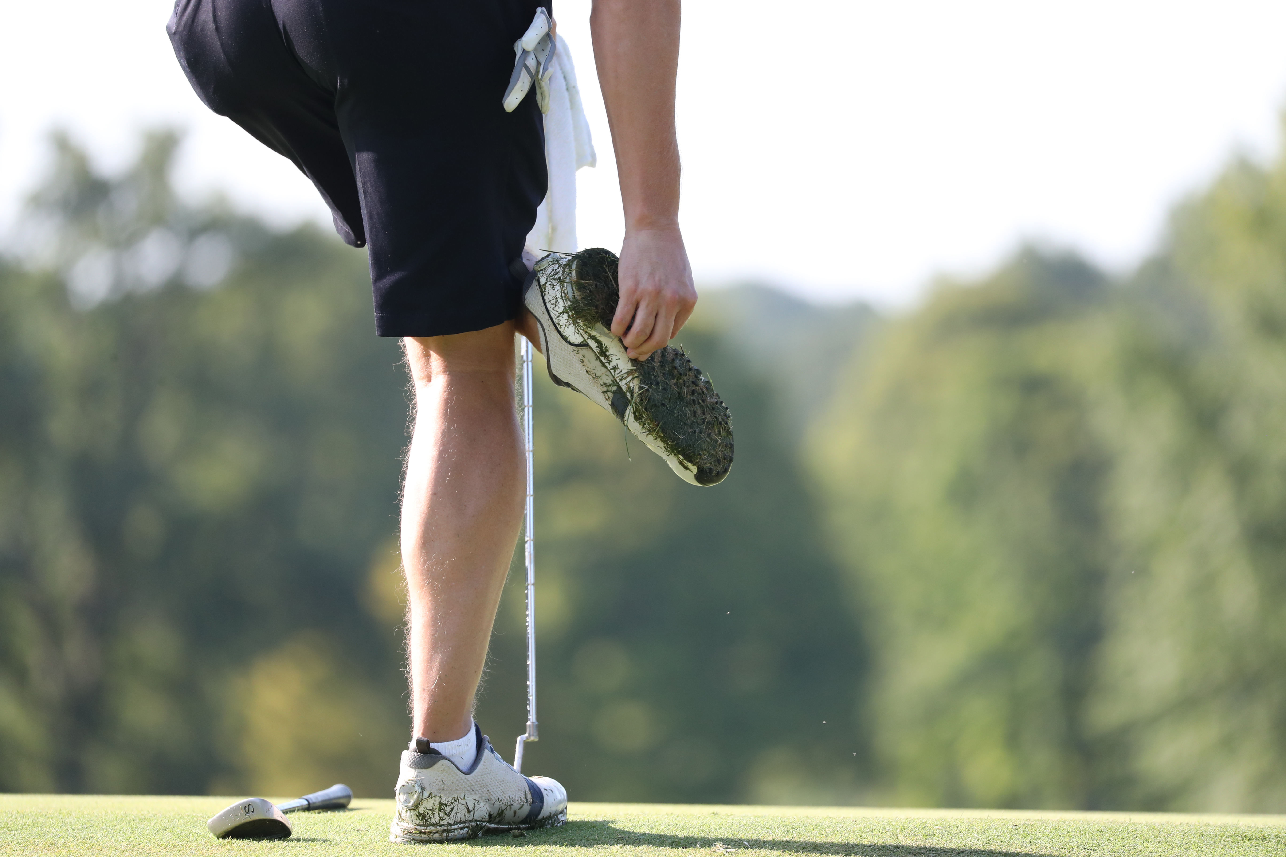 How To Remove Soft Spikes From Golf Shoes - Sports Performance ...