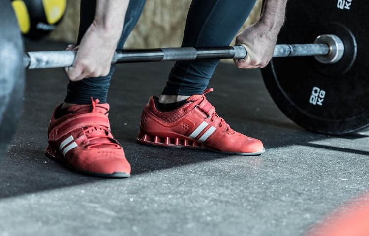 benefits of weightlifting shoes