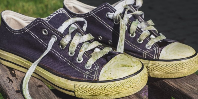 grass stains on sneakers